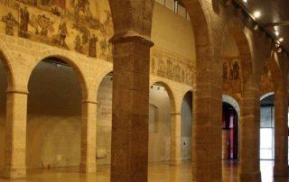 alquiler scooter plegable. Museo Almudín en Valencia